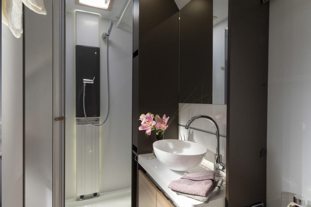 Adria Alpina bathroom