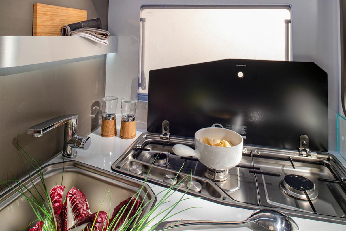 Adria Coral XL Plus cucina