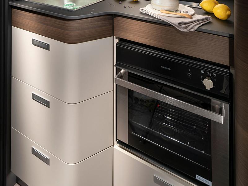 Adria Matrix cucina dettaglio forno
