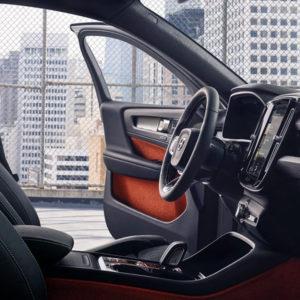 volvo xc40 interni autosernissima30